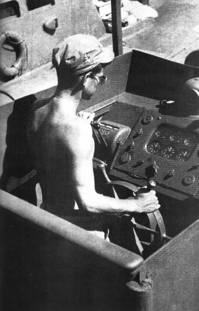 Rare_JFK_in_PT_109_cockpit.jpg